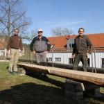 Schreinerinnung Schwandorf – Ein Baumstamm dient als Sitzbank